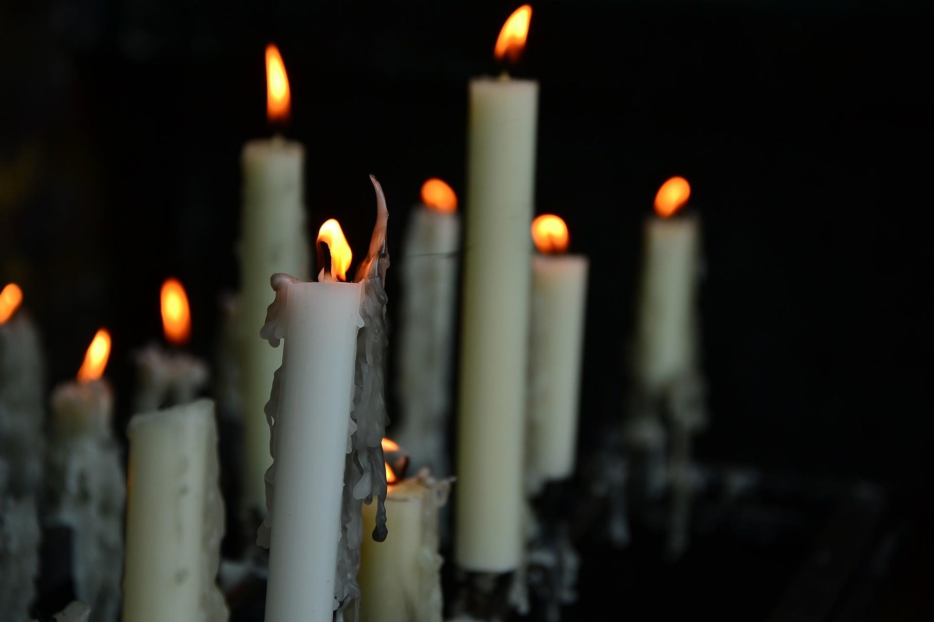 topiące się świece